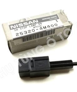 Công tắc báo đèn phanh ô tô Nissan Qashqai ( chân phanh )