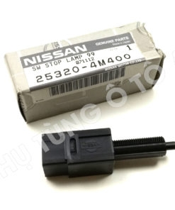 Công tắc báo đèn phanh Nissan Livina 10-14