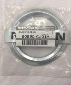 Biểu tượng logo NISSAN cốp sau ô tô Nissan Livina